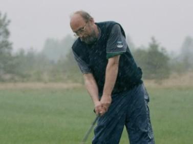 Õige golfimängija jälgib tihti ilmakaarti