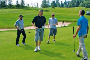 Otepää Golfikeskuses peetud meeskondlikus võistluses mängisid ühes võistkonnas Urmas Välbe, Raivo Rimm, Jaak Mae, Sander Pormeister ja said üldkokkuvõttes esimese koha.