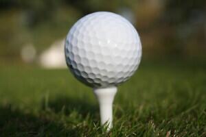Soeta heategevuslik golfipall ning vaata, kas Sinu pall suudab võita lähim lipule võistluse helikopterilt!