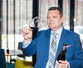 Prike joogiekspert Hannes Aedla avab ukse imelisse veinide maailma